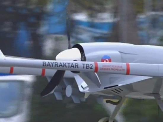 По улицам провезли турецкие и израильские дроны