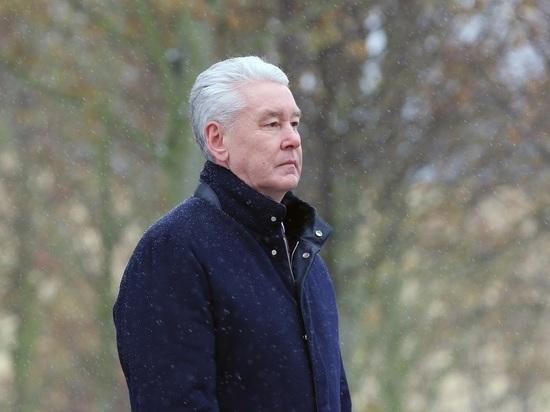 Собянин подумает о преференциях для привитых от COVID москвичей