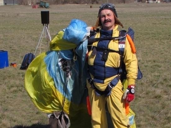 Старейший парашютист России умер в Волгограде