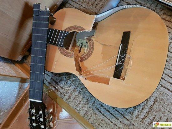 В пьяной драке сахалинец доказал, что гитара - ударный инструмент