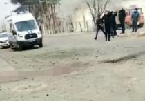 Во время взрыва у здания регионального ФСБ в городе Учкекен Карачаево-Черкесии пострадали шесть человек: пять полицейских и погиб один сотрудник ФСБ