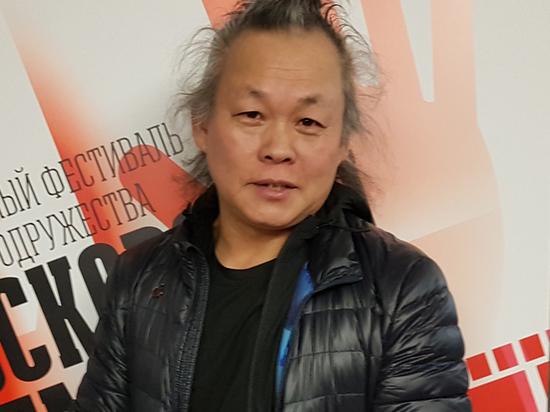 В Южной Корее режиссер был объявлен персоной нон-грата