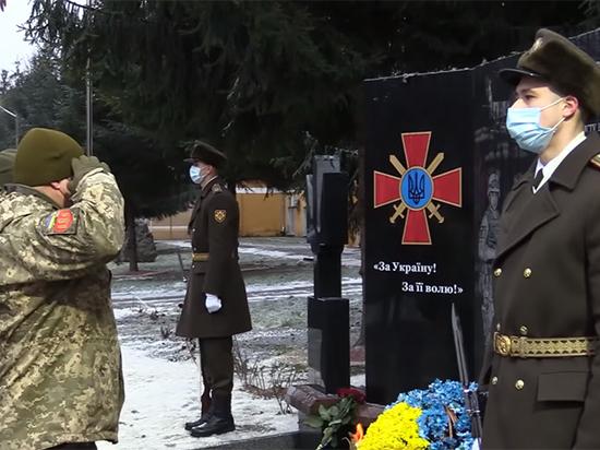 Генералитет украинской армии остаётся верным «совковому» подхалимажу