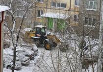 В мэрии Барнаула рассказали, кто и в какой срок должен убирать снег во дворах