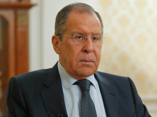 Двое из трех членов президиума выразили протест российскому министру из-за его высказываний