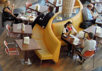 Альтернативу полному закрытию фудкортов в торговых центрах из-за коронавируса нашел Минпромторг