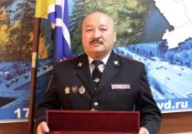Владимир Колокольцев направил полицейскому из Тувы наградное оружие – кортик