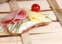 Голодный вор ради колбасы и сыра пошел на преступление в Кузбассе