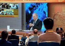 Журналист британской вещательной корпорации BBC Стив Розенберг объяснил, почему после непростого диалога с президентом России Владимиром Путиным «сбежал» из здания ЦМТ