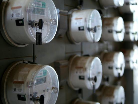 Россиянин обманул счетчик за электричество и получил иск на миллион рублей