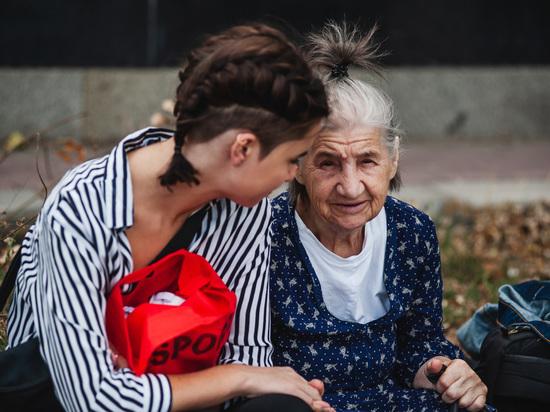 Старшему поколению Астраханской области рекомендовали оставаться дома. Как жить, если некому помочь?