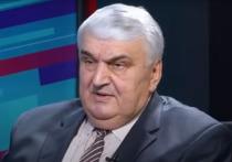 Урекян: Слусарь лично граблями должен восстановить сквер у парламента