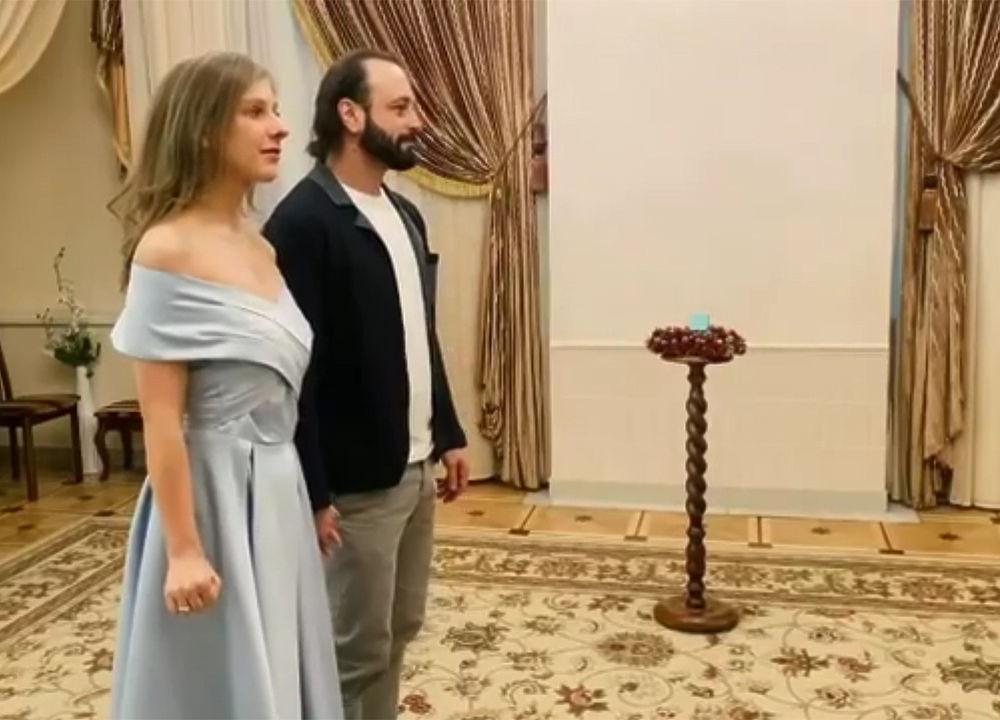 Свадьба Авербуха и Арзамасовой удивила поклонников: кадры из ЗАГСа