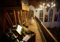 В Англиканской церкви Святого Андрея, расположенной в самом центре Москвы в Вознесенском переулке,  спустя 100 лет появился старинный духовой орган XVIII века