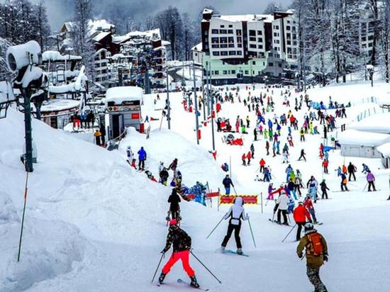 Туристы раскатали лыжи