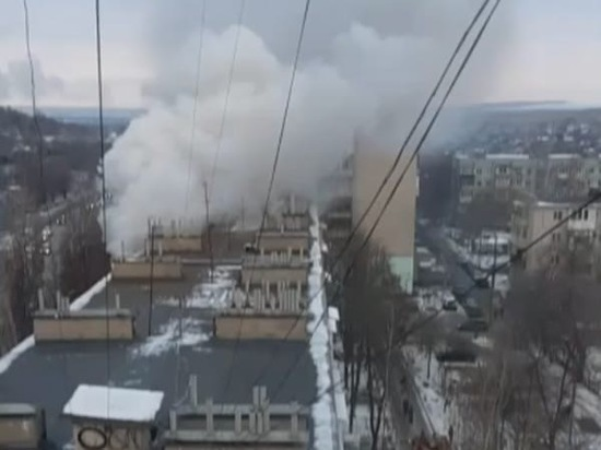 В Белой Калитве мать с двумя детьми едва не погибли в горящей квартире