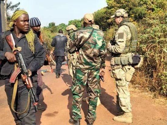 Инструкторы займутся подготовкой местных вооруженных сил