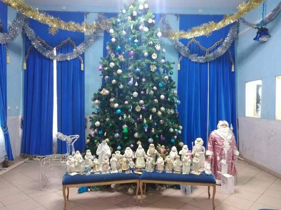 Туляк показал уникальную коллекцию советских Дедов Морозов