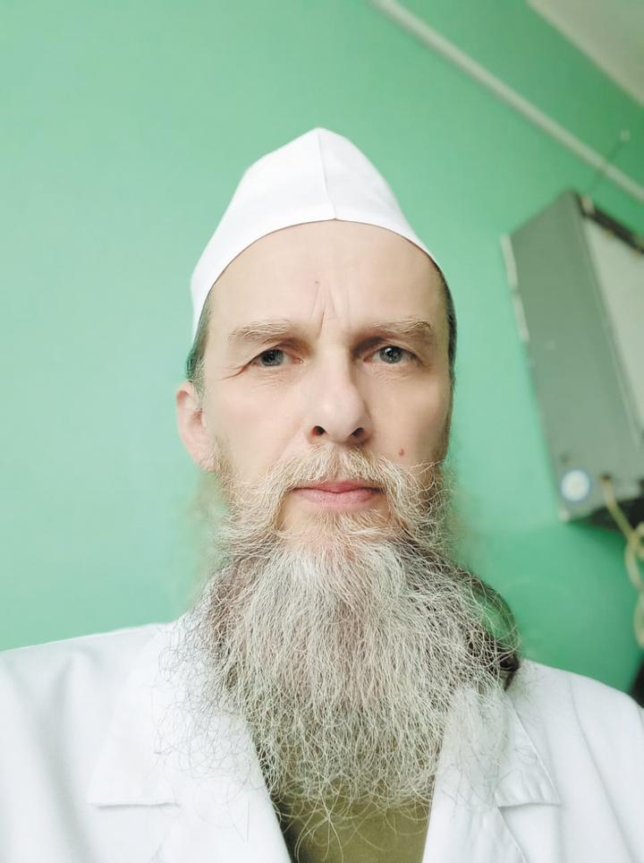 Тверской священник начал лечить больных из-за нехватки врачей