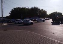 Жители Астрахани массово жалуются на постоянные заторы на кольце Мосстроя в Трусовском районе