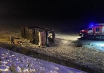 В ночной автоаварии погибло четверо, пострадали пятеро детей
