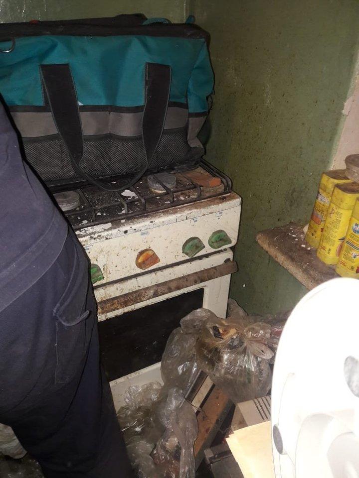 В Екатеринбурге в захламленной квартире произошла утечка газа