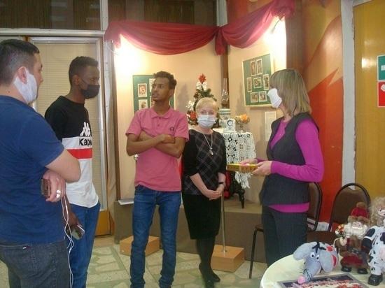 В Кирове студенты из Судана интересуются 3D-эффектом из конца 70-х