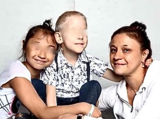 Удивительная новогодняя история Лены и Славы: многодетная семья поверила в чудо
