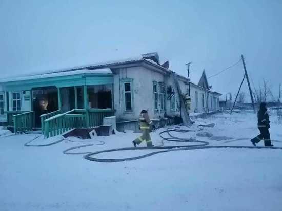 Пожарные отстояли Верхоянскую районную больницу
