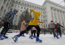 Новый год на Украине: сначала массовые гуляния, потом - карантин
