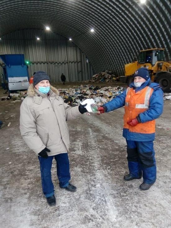 Региональный оператор вернул пенсионерам выброшенные документы
