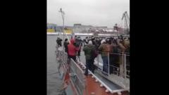 В Петербурге при чествовании нового корвета упал в Неву оператор
