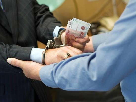 Экс-главного врача ЦРБ в Забайкалье будут судить за взятку в 400 тыс р