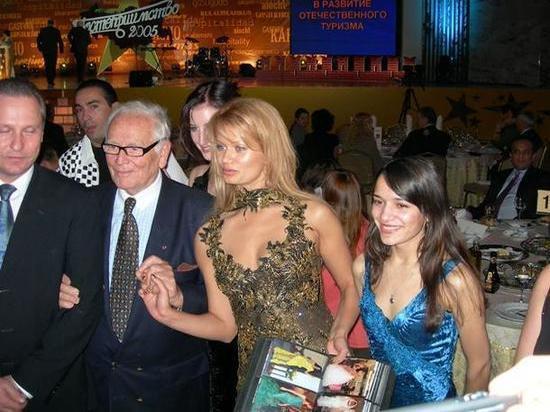 Знаменитый российский дизайнер рассказала о знакомстве с Пьером Карденом