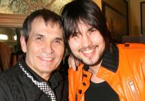 Сын продюсера Бари Алибасова поделился своей версией произошедшего с отцом, который был госпитализирован с различными травмами