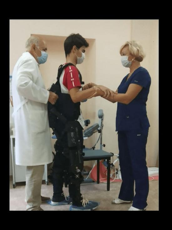 Врачи РДКБ в Уфе используют в реабилитации детей с ограниченными возможностями экзоскелет