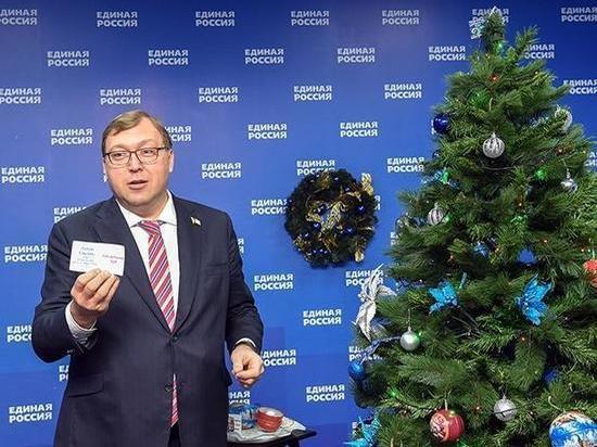 Председатель Заксобрания Ростовской области исполнил новогодние мечты детей