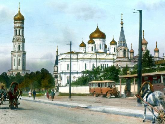 В канун Рождества в Новодевичьем монастыре начали восстанавливать колокольню