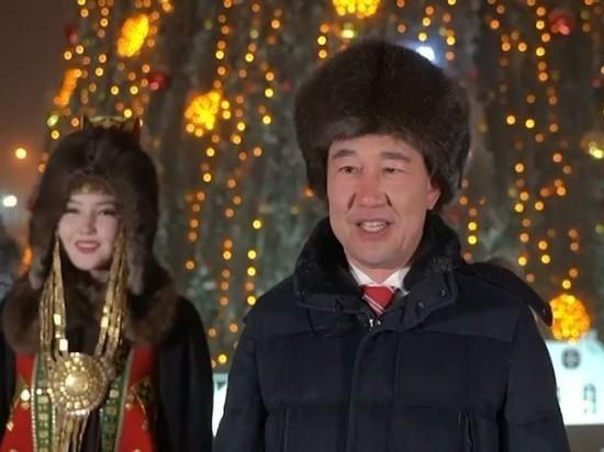 Айсен Николаев поздравил якутян с Новым годом