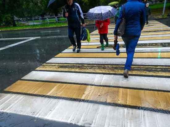 В Челябинске появился первый инновационный пешеходный переход