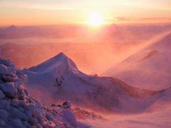 Метель с ветром до 20 м/с ожидается в шести районах Колымы 1 января