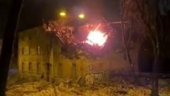 Рухнувший после мощного взрыва дом в Риге сняли на видео