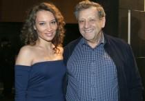 Супруга режиссера и сценариста Бориса Грачевского подтвердила данные СМИ об ухудшении его состояния на фоне заражения коронавирусом