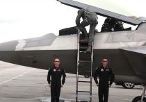 Российский истребитель Су-27 вызвал опасения у американских военных и привел к вложениям в оборонку США с целью «догнать и перегнать» Россию в сфере военной авиации, сообщает американское издание Military Watch