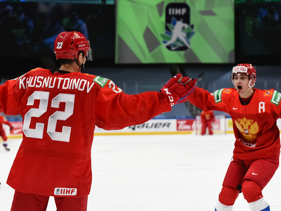 Команда Игоря Ларионова вышла в полуфинал чемпионата мира