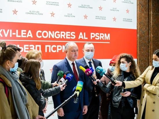Экс-президент поблагодарил коллег за доверие и отметил, что ровно 9 лет назад, 18 декабря, ему был вынесен вотум доверия, и он был избран впервые председателем ПСРМ