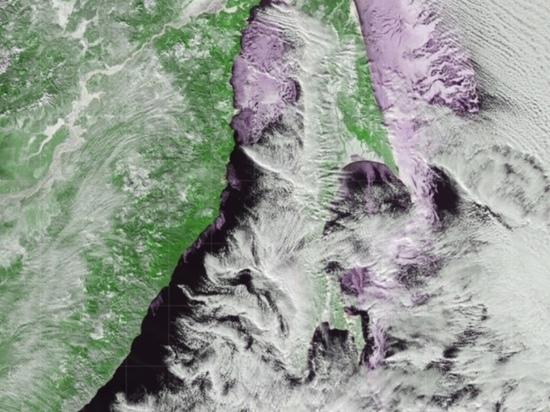 Сахалинские озера, скованные льдом, сфотографировали из космоса