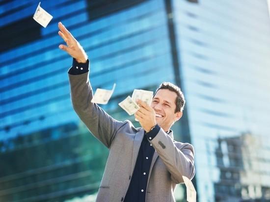 В Новый год 45 петербуржцев стали миллионерами