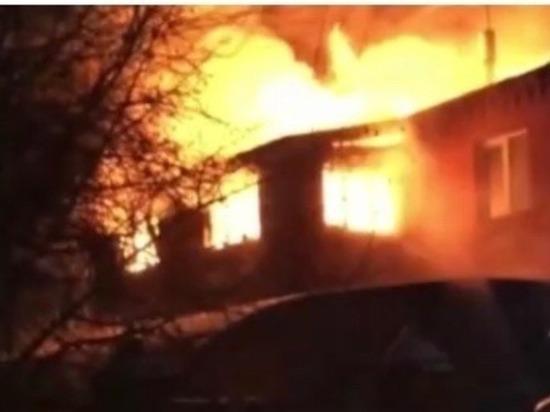 Сгорел дом челябинского врача, есть пострадавший