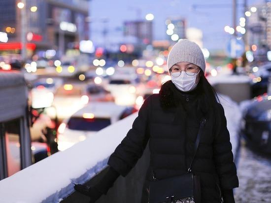 Дерматолог посоветовал, как носить маску в мороз